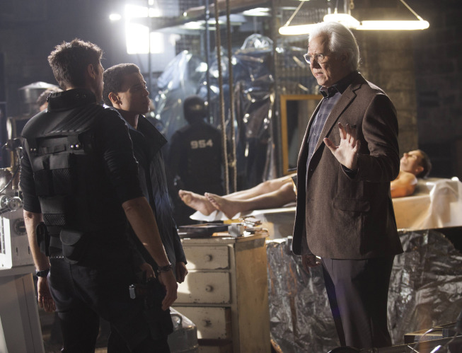 """ALMOST HUMAN: Det. John Kennex (Karl Urban, L), Dorian (Michael Ealy, C) and Nigel Vaughn (John Larroquette, R) in the """"Unbound"""" episode of ALMOST HUMAN airing Monday, Feb. 3 (8:00-9:00 PM ET/PT) on FOX. ©2013 Fox Broadcasting Co. Cr: Katie Yu /FOX"""