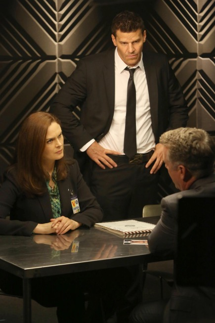 """BONES:  Brennan (Emily Deschanel, L) and Booth (David Boreanaz, R) question a surgeon who may have taken part in the murder of an FBI agent in the """"The Sense in the Sacrifice"""" episode of BONES airing Monday, Oct. 7 (8:00-9:00 PM ET/PT) on FOX.  ©2013 Fox Broadcasting Co.  Cr:  Patrick McElhenney/FOX"""