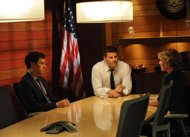"BONES:  Booth (David Boreanaz, C) and Sweets (John Francis Daley, L) interview the wife (guest star Rebecca McFarland, R) of a recently murdered man suffering from cancer in the ""The Lady on the List"" episode of BONES airing Monday, Oct. 14  (8:00-9:00 PM ET/PT) on FOX.  ©2013 Fox Broadcasting Co.  Cr:  Ray Mickshaw/FOX"