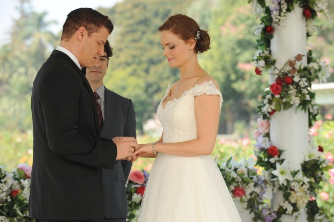 BONES Wedding Photos! | The TV Sisters | women talking TV ...