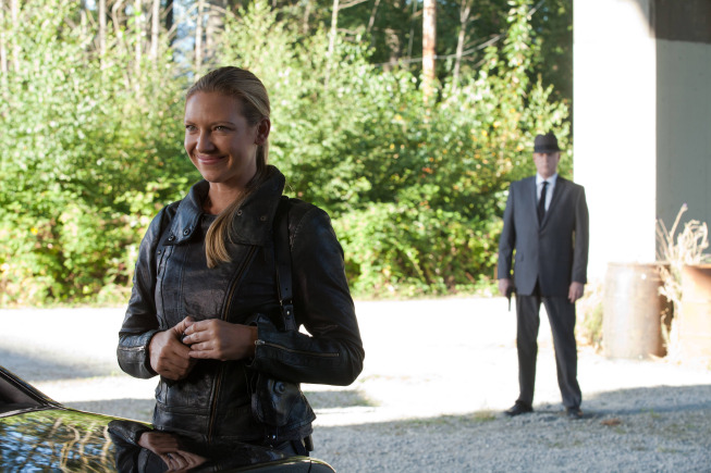 "FRINGE: Olivia (Anna Torv, L) is unaware of an observer's presence in the ""The Bullet That Saved the World"" episode of FRINGE airing Friday, Oct. 26  (9:00-10:00 PM ET/PT) on FOX. ©2012 Fox Broadcasting Co. CR: Liane Hentscher/FOX"