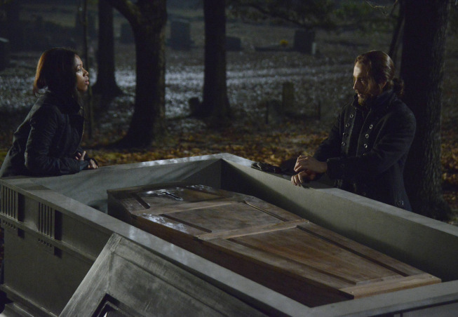"SLEEPY HOLLOW: Lt. Abbie Mills (Nicole Beharie, L) and Ichabod (Tom Mison, R) search for clues in the ""The Indispensable Man,"" part 1 of the special two-hour Season Finale episode of SLEEPY HOLLOW airing Monday, Jan. 20 (8:00-10:00 PM ET/PT) on FOX. ©2013 Fox Broadcasting Co. CR: Brownie Harris/FOX"