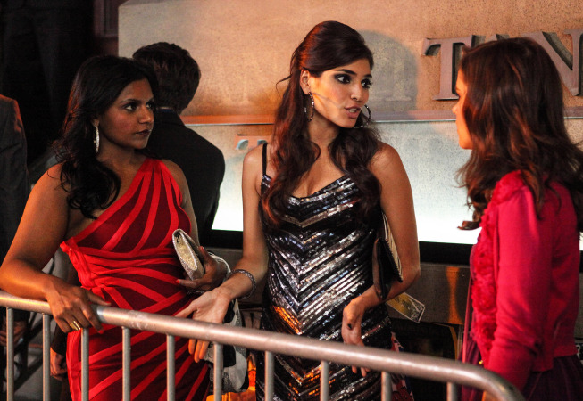 "THE MINDY PROJECT:  Shauna (Amanda Setton, C) takes Mindy (Mindy Kaling, L) and Betsy (Zoe Jarman, R) to the hottest nightclub in town in the ""In the Club"" episode of THE MINDY PROJECT airing Tuesday, Oct. 9 (9:30-10:00 PM ET/PT) on FOX. ©2012 Fox Broadcasting Co. Cr: Beth Dubber/FOX"