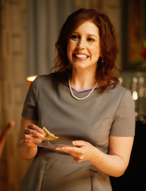 """THE MINDY PROJECT: Vanessa Bayer guest-stars as Mary in the """"Sk8er Man"""" episode of THE MINDY PROJECT airing Tuesday, Nov. 5 (9:30-10:00 PM ET/PT) on FOX. ©2013 Fox Broadcasting Co. Cr: Jordin Althaus/FOX"""