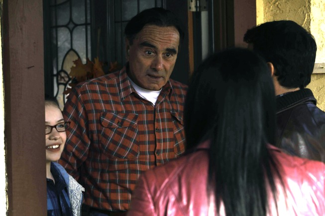 "THE MINDY PROJECT:  After many years, Danny visits his father (guest star Dan Hedaya, second from L), and meets his little sister (guest star Madison Moellers, L), in the ""The Desert"" episode of THE MINDY PROJECT airing Tuesday, Jan. 21 (9:30-10:00 PM ET/PT) on FOX.  ©2013 Fox Broadcasting Co.  Cr:  Jordin Althaus/FOX"